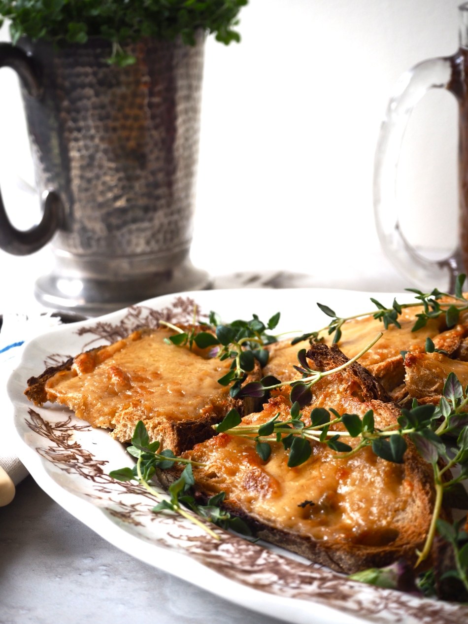 welsh-rarebit-toasts.jpg