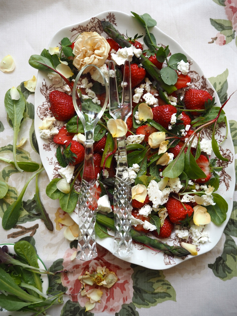 Strawberry & Feta Garden Salad