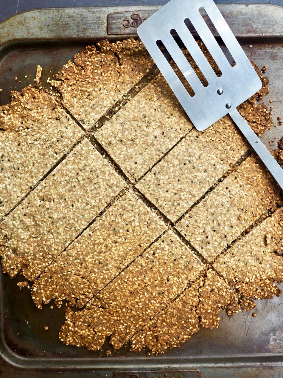 sesame & thyme dukkah crackers