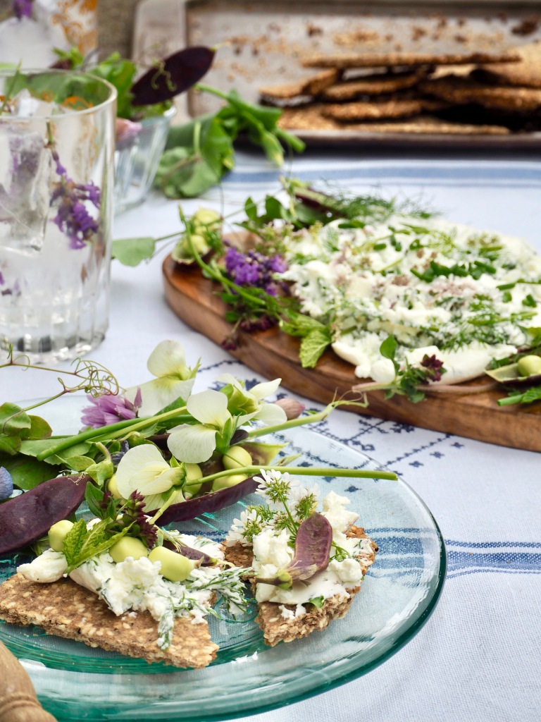Sesame & thyme dukkah crackers with homemade herby labneh